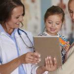Entenda a importância do médico pediatra para a saúde do seu filho