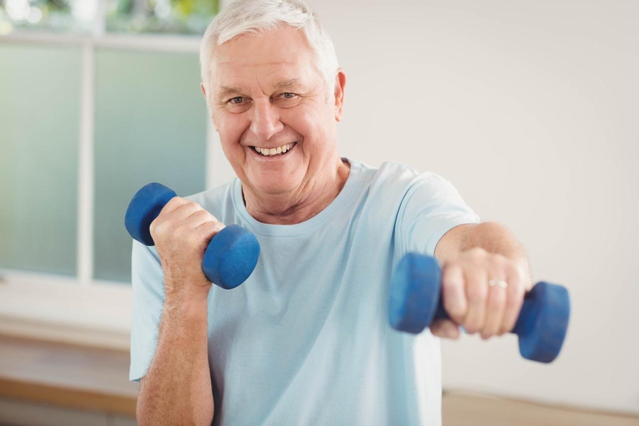 5 exercicios para idosos fazerem em casa na quarentena