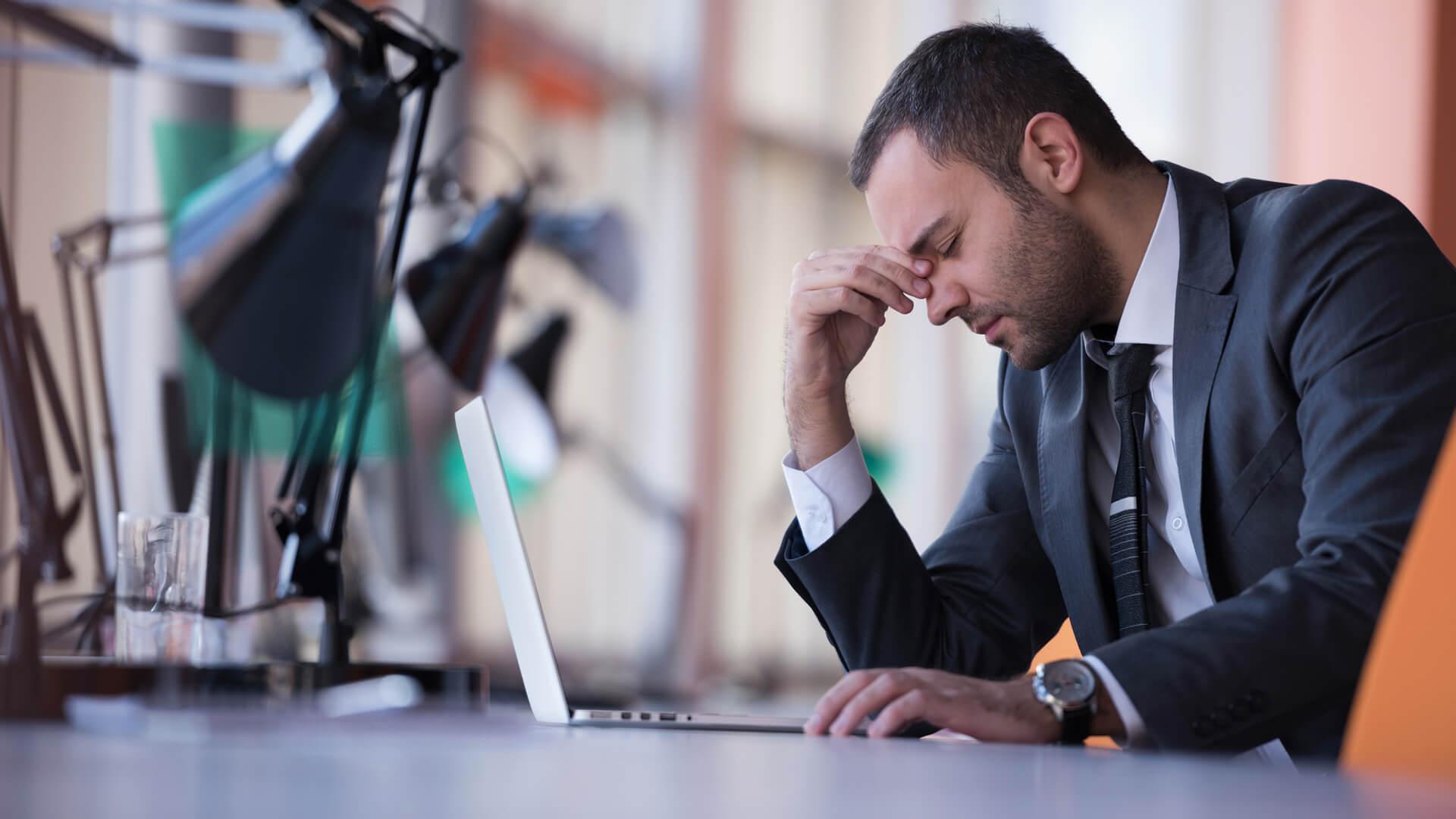 diferença entre enxaqueca e dor de cabeça